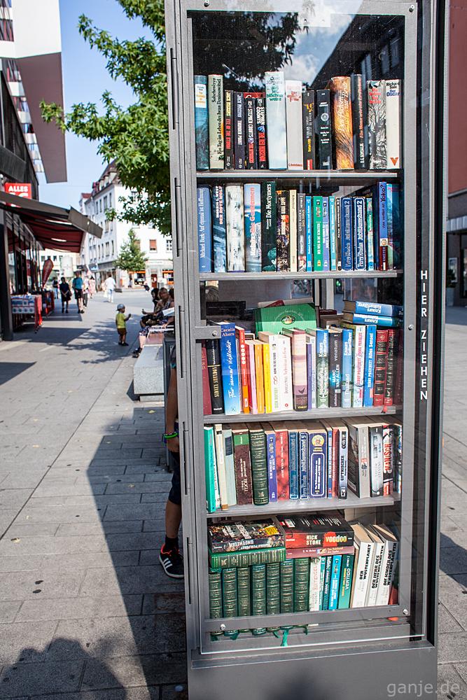 öffentlicher Bücherschrank in Würzburg Eichhornstraße